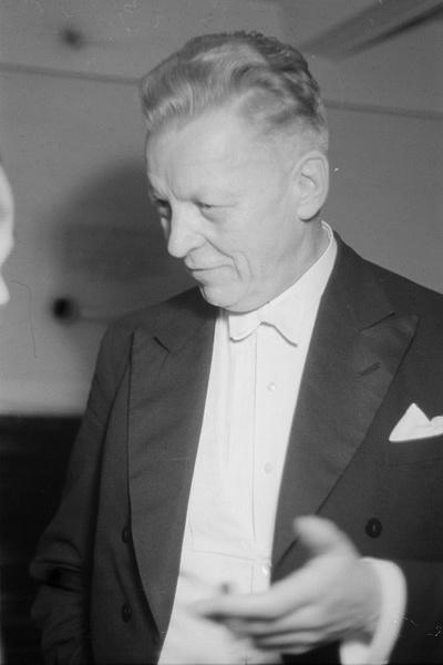 Hermann ABENDROTH, un portrait fait par Abraham Pisarek en 1949, df_pk_0000793_032, SLUB / Deutsche Fotothek, http://www.deutschefotothek.de/documents/obj/88930908