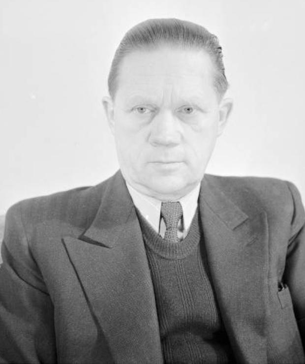 Robert DENZLER vers 1952, Cliquer sur la photo pour une vue agrandie
