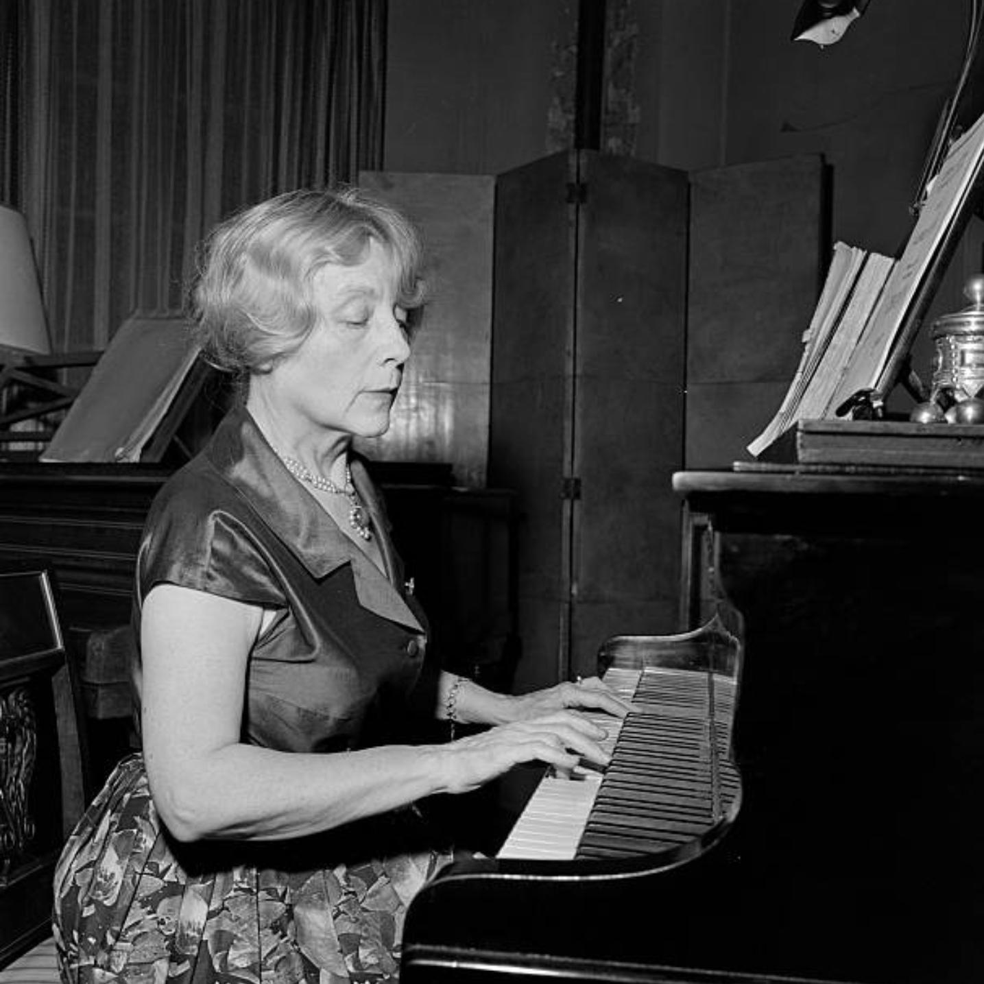 Yvonne LEFÉBURE, un portrait fait par Bernard Pascucci en 1963