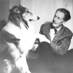 Frank MARTIN en conversation avec Duke, Naarden 1963, une photo citée du site https://www.frankmartin.org/photos/, Cliquer sur la photo pour voir l'original