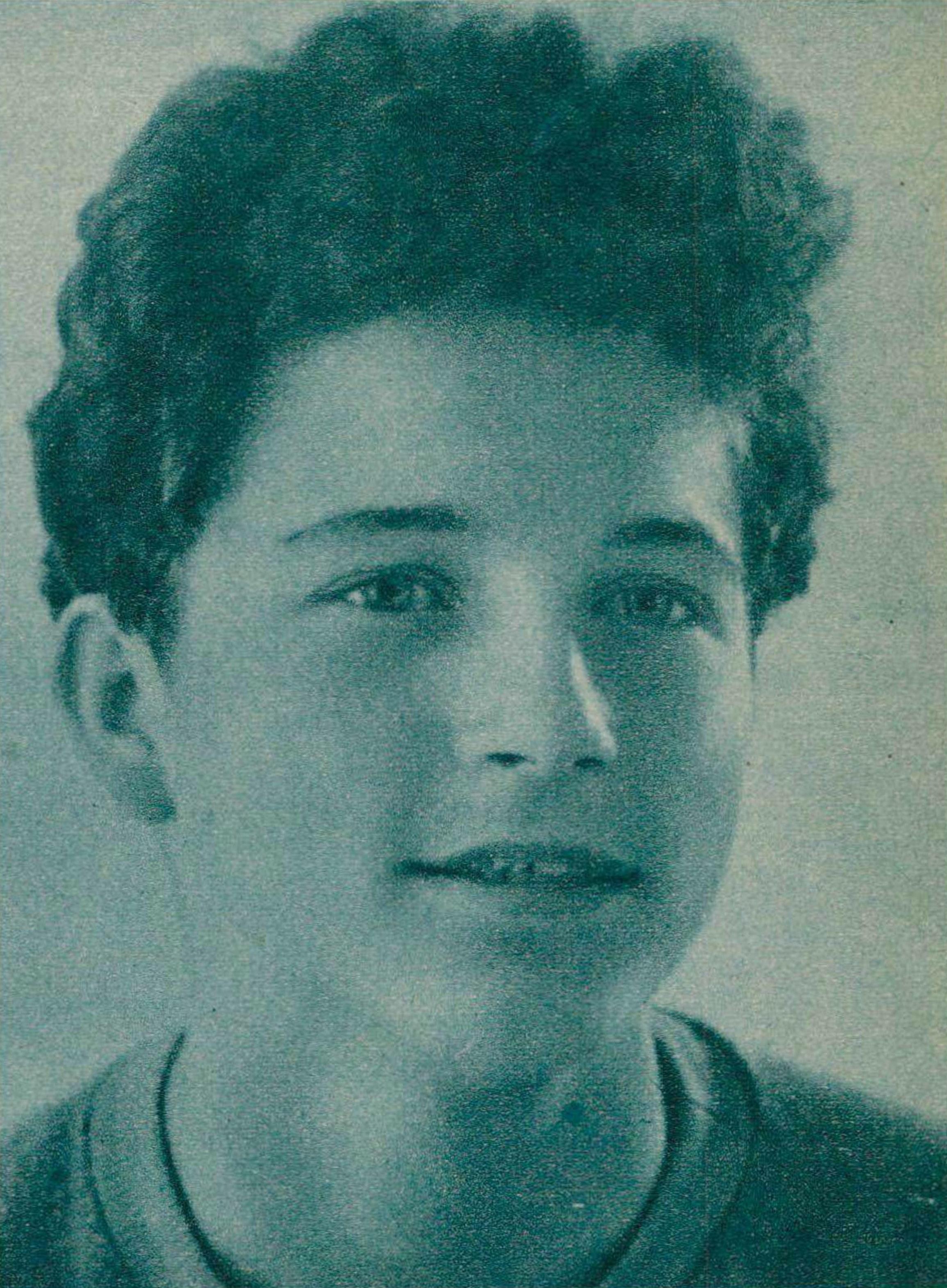 Aurèle NICOLET âgé de 16 ans, une photo publiée dans la revue Radio Actualités du 9 juillet 1943, No 28 en page 873, cliquer pour une vue agrandie