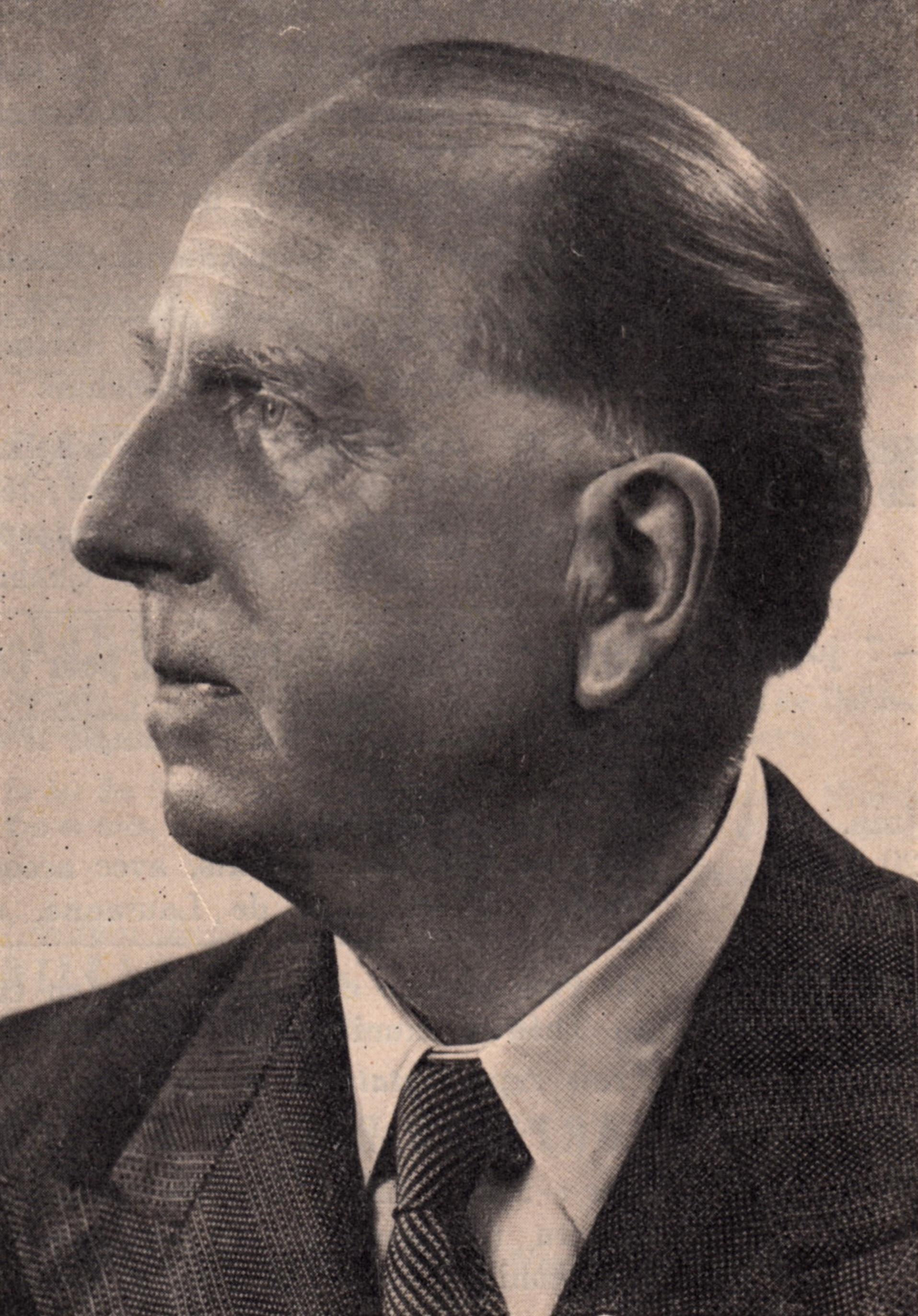 Paul PARAY au début des années 1950, date exacte et photographe inconnus, un portrait publié entre autres dans la Revue Musicale de Suisse Romande, page de couverture
