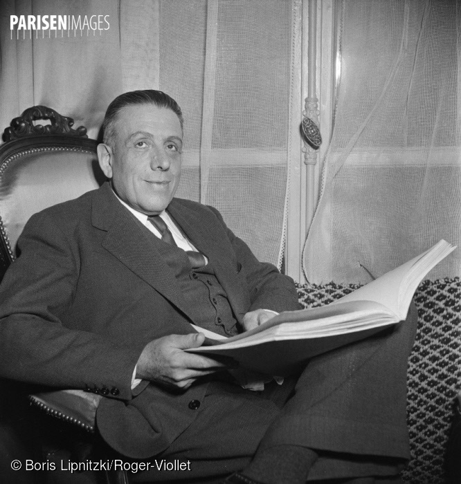 Francis Poulenc dans les années 1950, cliquer sur la photo pour voir l'original et ses références