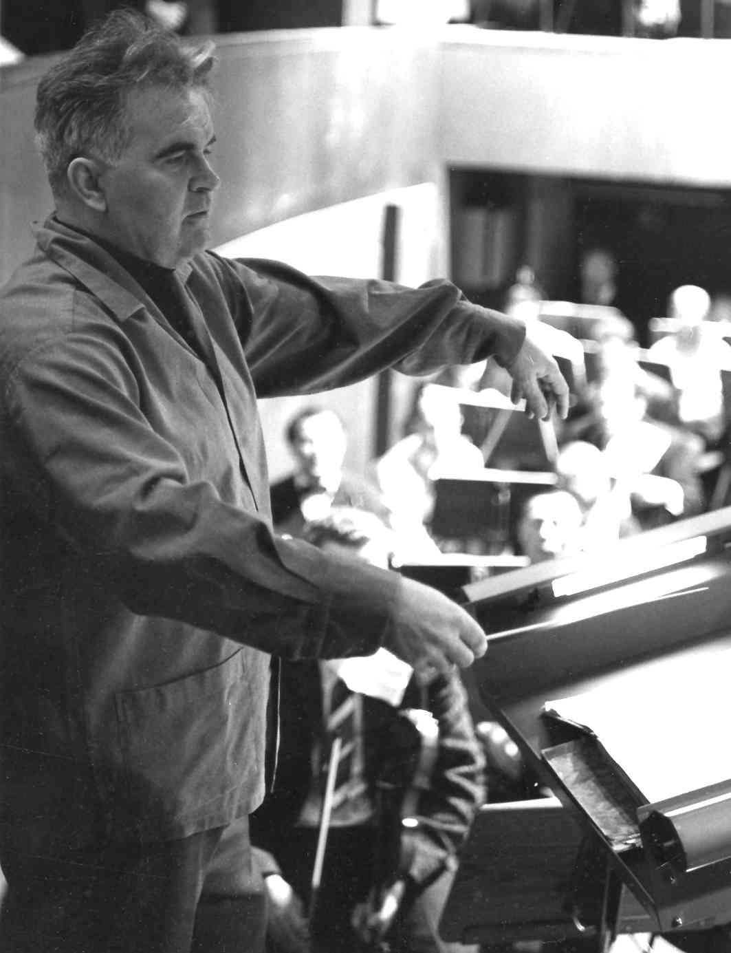 Wilhelm Schüchter en 1966, pendant une répétition pour l'ouverture de la `Große Haus an der Hansastraße`. Copyright Dortmunder Theatersammlung, tous droits réservés