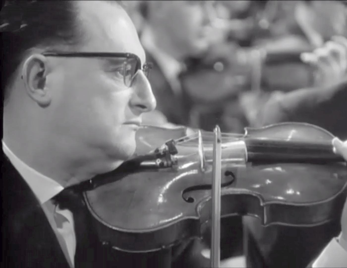 Michel Schwalbé, photo citée du film de Henri-Georges Clouzot, Beethoven, Symph.No 5, Herbert von Karajan, Orch.Phil.Berlin, 1966, cliquer pour une vue agrandie