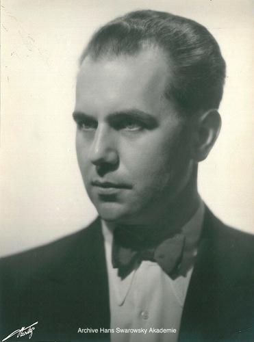 Hans SWAROWSKY à Zürich en 1939 - Cliquer sur la photo pour voir l'original et ses références