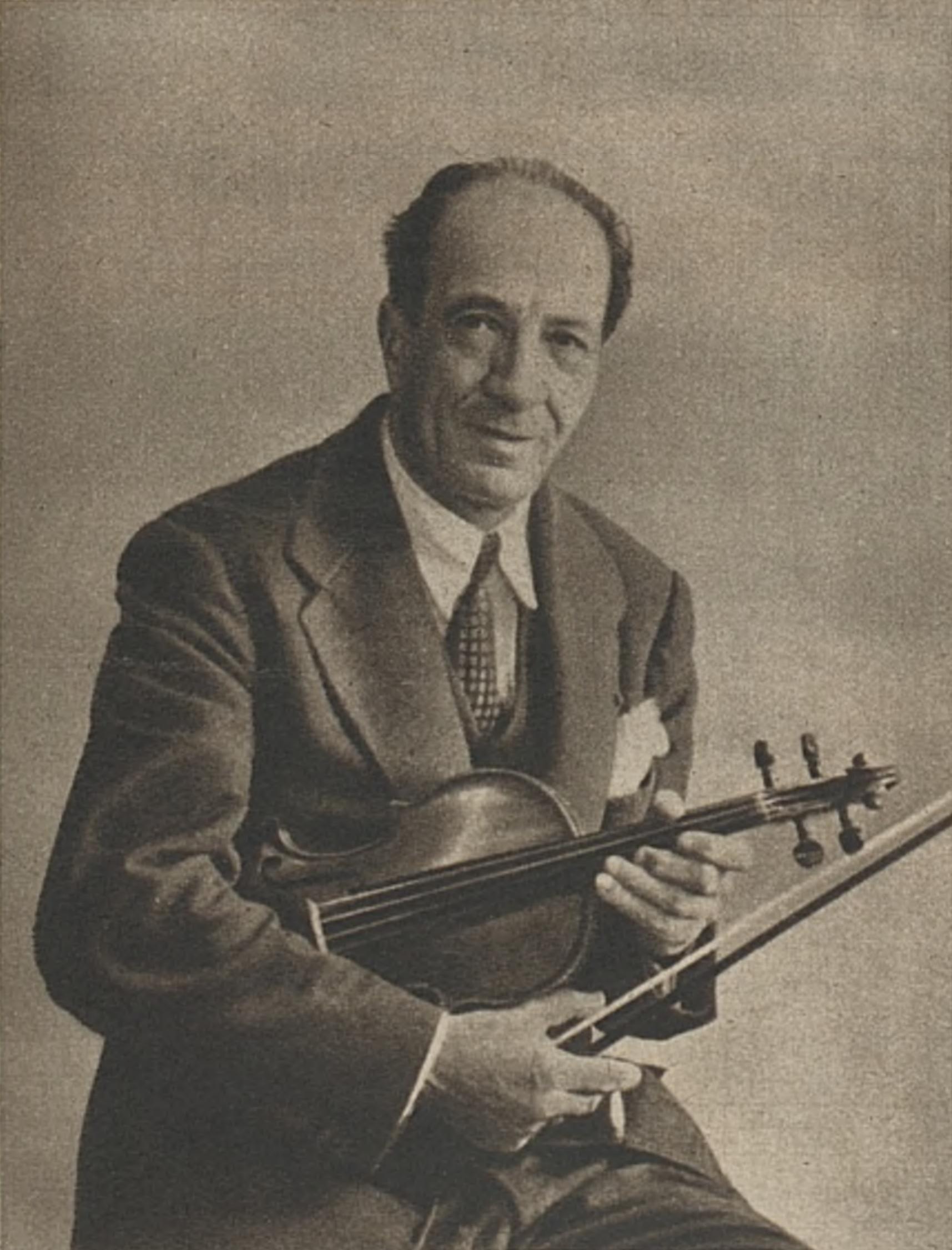 Jacques THIBAUD, un portrait fait par «Photo KETTEL», publié entre autres dans la revue «L'Illustré» du 27 novembre 1941, No 58, page 1504, Cliquer sur la photo pour une vue agrandie